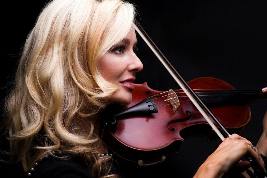 Lynette Violinist Entertainment George Garden Route Western Cape