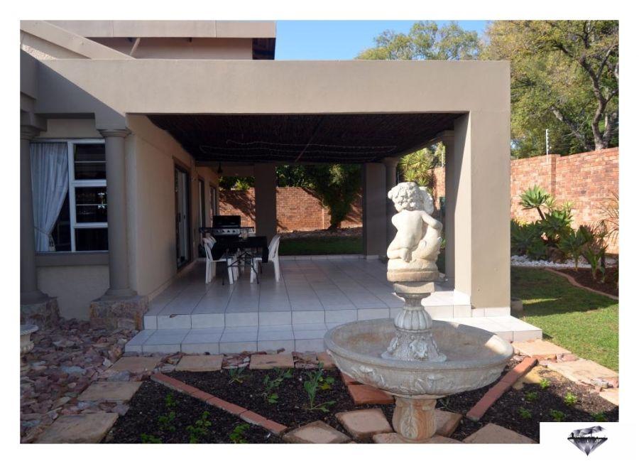 Jewel Of Jozi. Accommodation in Edenvale Gauteng