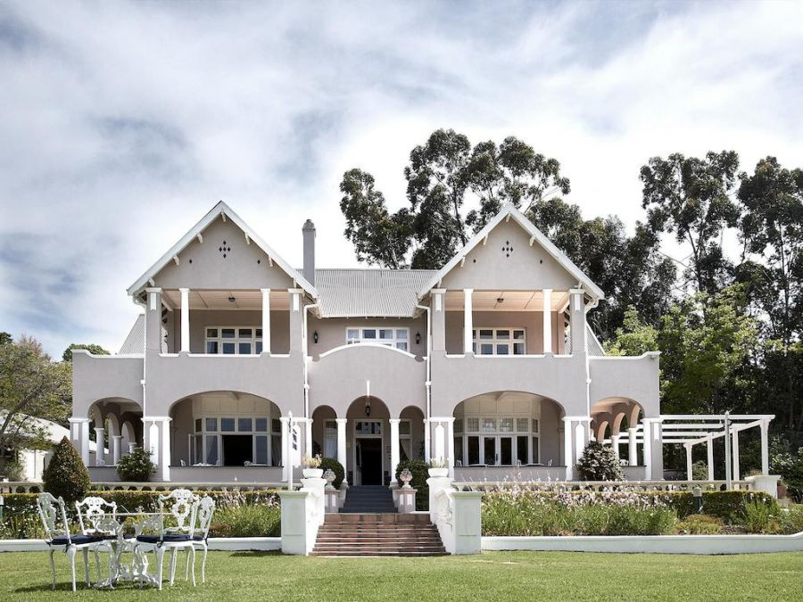 Parkes Manor. Accommodation in Knysna Garden Route