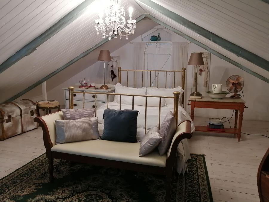 Tin House. Accommodation in Riebeek Kasteel Western Cape