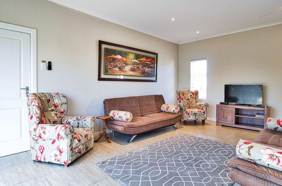 Sunnyside Guesthouse. Accommodation in Port Elizabeth Eastern Cape